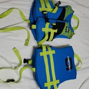 2 O'Brien childrens life jackets.